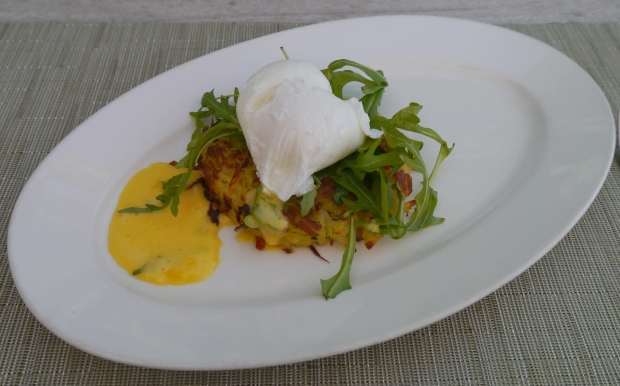 Poached egg with hash brown