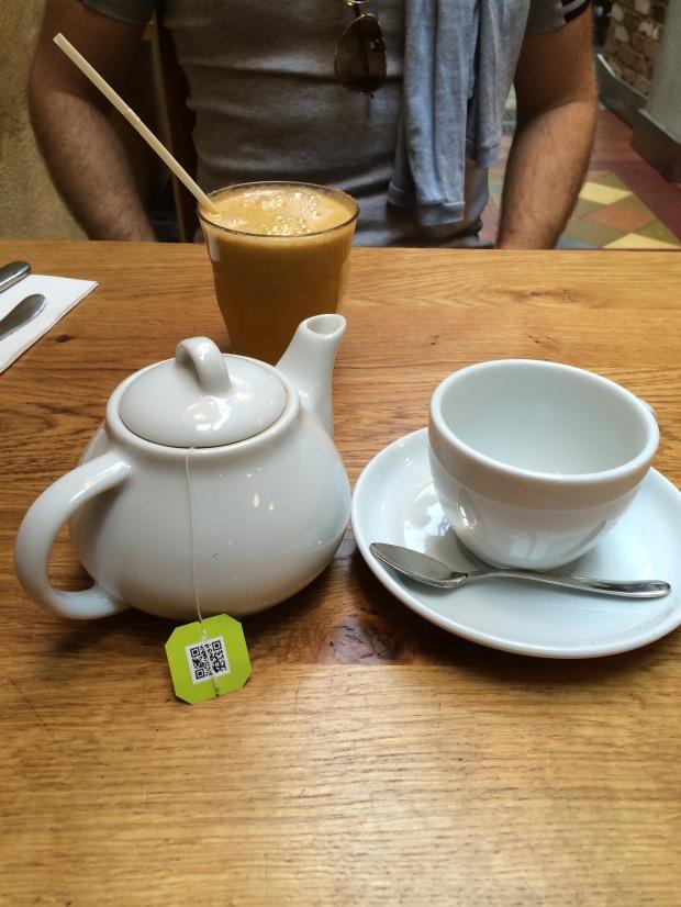 Green tea ready to pour