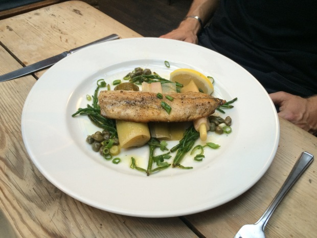 Grey mullet with leeks, samphire and capers